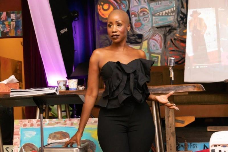 Tanisha talks to the audience